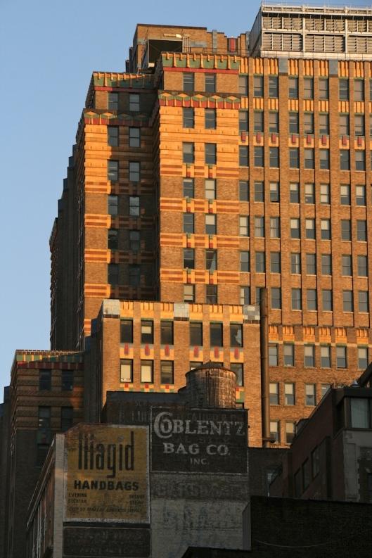 Vista de un edificio desde la 5ª Avenida.