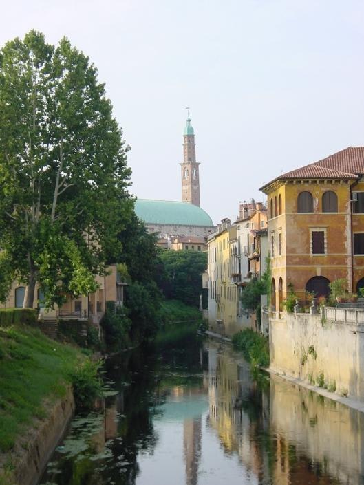 Vista de Vicenza, con la Basílica al fondo.