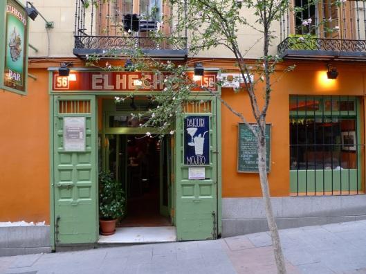 Elhecho, en la calle Huertas 56