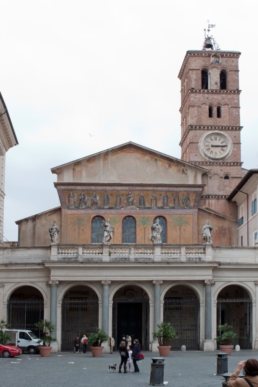 Santa Maria in Trastevere 01