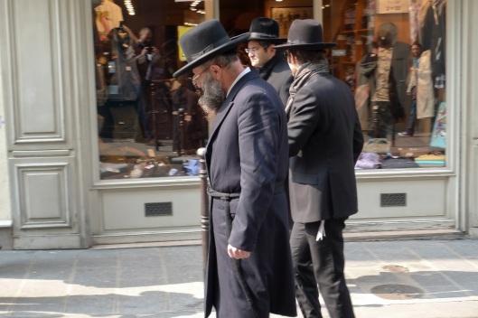 Judíos paseando en Le Marais