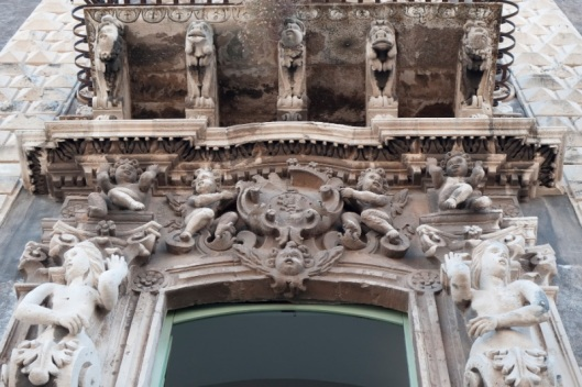 Monasterio de los benedictinos. Balcón.