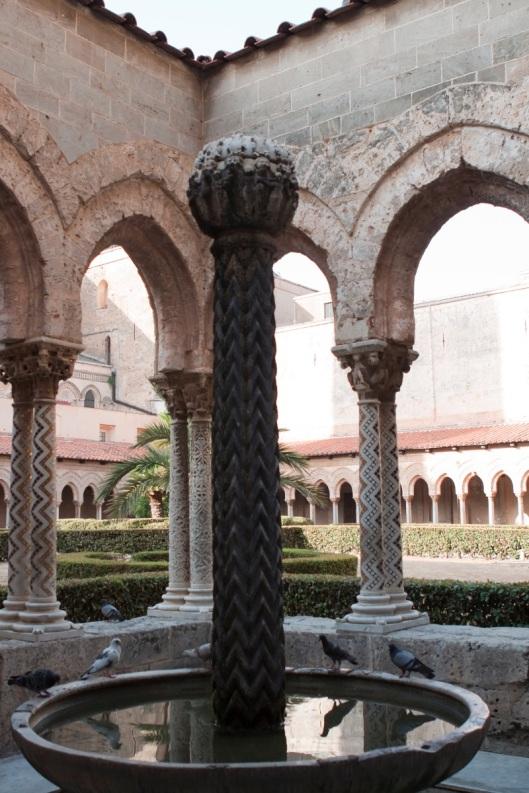 Fuente del claustro