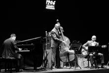 The Golden Striker Trio (Ron Carter, Donald Vega y Russell Malone) en el Teatro Lara.