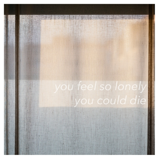 "Haz clic para descargar la recopilación ""You Feel So Lonely You Could Die""."