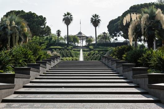 Entrada a los jardines Villa Bellini por la via Etnea.