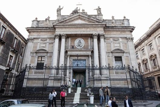 """Iglesia de Santa Agata alla Fornace, """"cerrada por boda""""."""