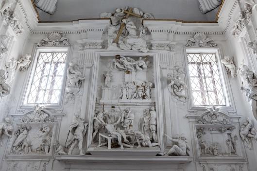 Detalle de los relieves del Oratorio de San Lorenzo.
