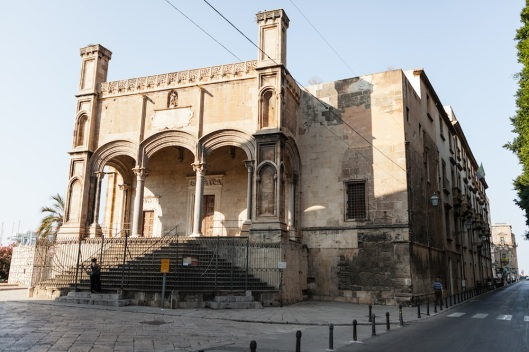 Santa Maria della Catena, de estilo gótico catalán (finales del s. XV).