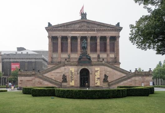 Galería Nacional, al lado del Neues Museum.