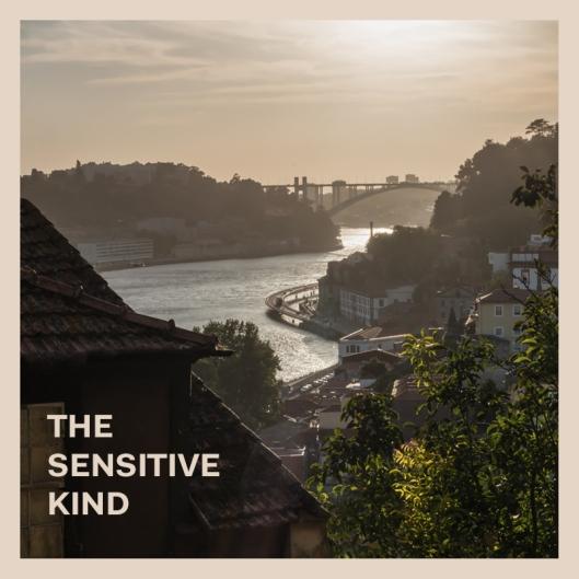 """Haz clic en la imagen para descargar la recopilación """"The Sensitive Kind""""."""